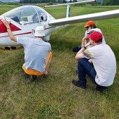 Do latania, ale kółko też ważna sprawa, żeby nie lądować jak kpt. Wrona.