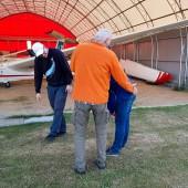 Towarzystwo Lotnicze Świebodzice kurs podstawowy 2018 dzień 8, Jarek nie odpuszcza nowym pilotom, tradycji musi się stać zadość.
