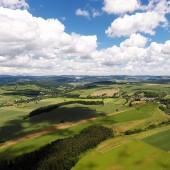 Kudowa - Radków Paragliding Fly, Wambierzyce po prawej, Radków i Ścinawka dalej po lewej.
