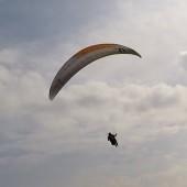 Grzmiąca Paraglideing Fly, Rafał na Ucros'ie