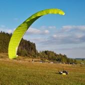 Zabawa Mirka po lądowaniu.