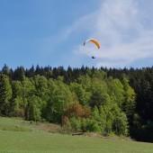 Mieroszów Paragliding Fly, A na starcie zachód wieje. Jednak daje się wystartować i jak się potem okazało, trzeba tu było zostać.