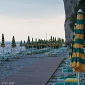 Bieliki nad włoskim morzem., Sistiana - plaża.