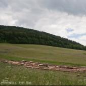 Startowisko Bukowiec, Widok od strony przedpola na  prawą stronę zbocza.