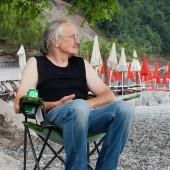 Bieliki nad włoskim morzem., Zdzisiu się relaksuje po kąpieli i golonce.