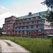 Cerna Hora lipiec 2014, Po drodze mijamy opuszczone schronisko.
