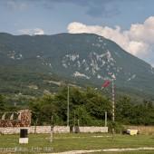 Camp Lijak - wiatrowskaz i góra do pokonania.