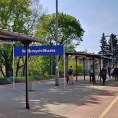 Wałbrzych miasto też jakby nowy peron.