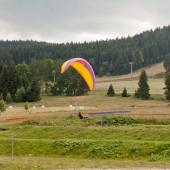 Lądowanie na parkingu, najlepsze z możliwych miejsc do lądowania blisko parkingu.