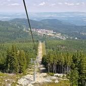 Widok z wyciągu na Karpacz.