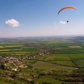 Srebrna Góra Paragliding Fly, Wyżej i wyżej, a Srebrna Góra w dole pod nami.