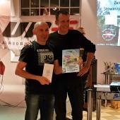 Nagroda specjana dla Zbyszka od cc optyk, Wręcza Sponsor, Adam Grzech.
