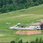 Lotnisko u podnóża góry Żar