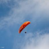 Lijak dzień czwarty - Kobala, Zdzichu ubezpiecza start Grażynki z powietrza.