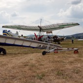 Gminny Piknik Lotniczy - hole lotni za motolotnią.