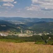 Czarna Góra - Stronie Śląskie lipiec 2014, Widok ze startu na wprost, na północny-wschód.