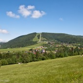 Widok z Jaworzynki na górę Żar