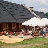 Czarna Góra - Stronie Śląskie lipiec 2014, Przy lądowisku restauracja, mogłaby być tańsza.