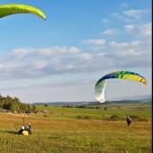 Mieroszów - Paragliding Fly, Zabawa Mirka po lądowaniu.
