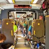 Do Mieroszowa koleją PKP, Pociąg regionalny ale w środku prawie Pendolino, a nawet fajniej.
