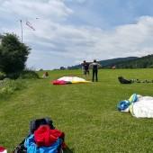 Cerna Hora Paragliding Fly, Międzylądowanie na oficjalnym